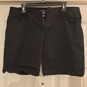 Shorts..Guess